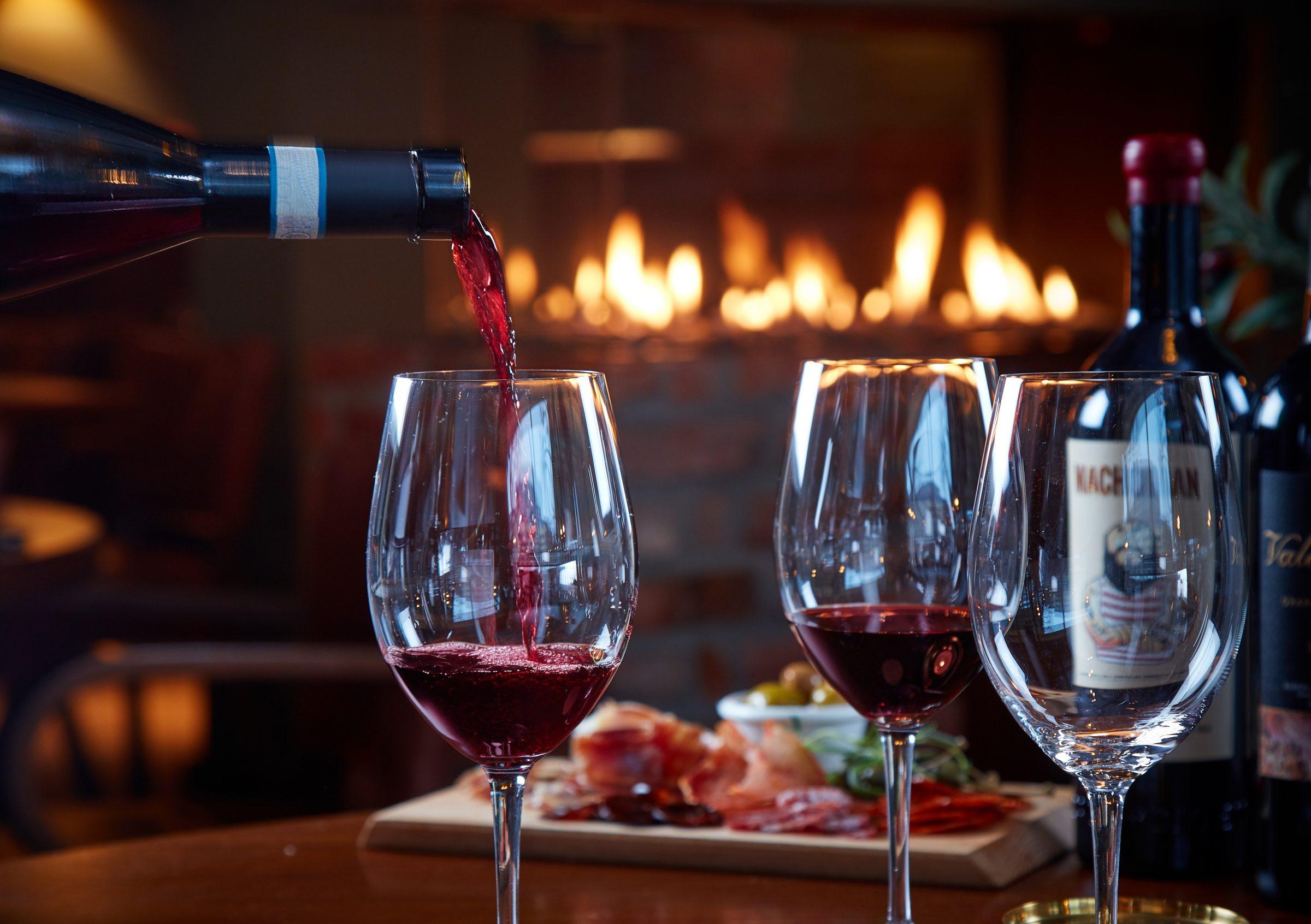 Glass med rødvin